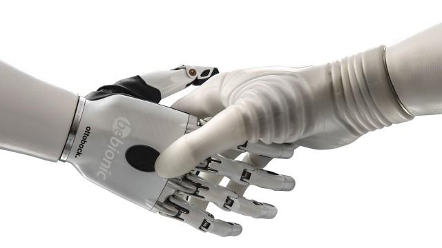 Prótesis para mano. Articulada mioeléctrica