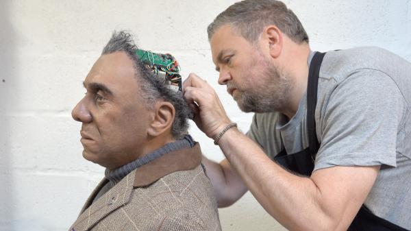 El robot 'Mesmer' parecido a Westworld cobra vida en una fábrica del Reino Unido