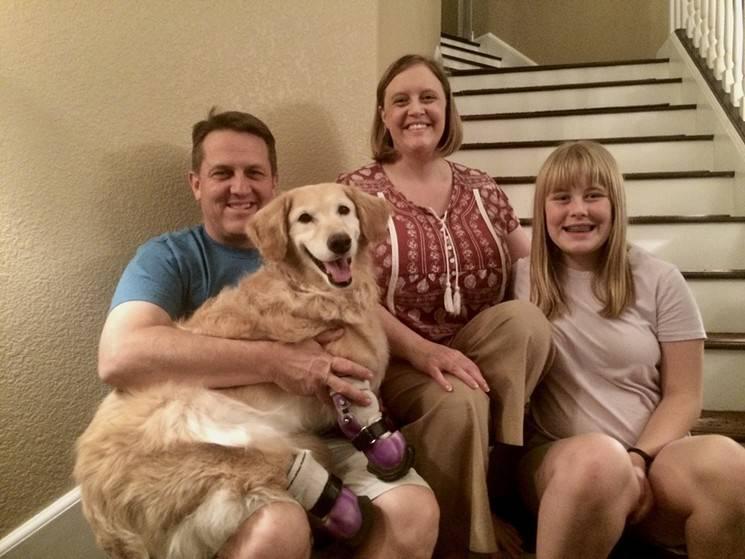 Familia que adopto a Chi Chi